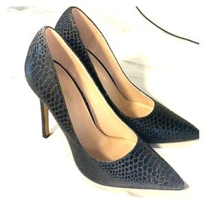 Sparkling black faux snakeskin stiletto heels 5.5